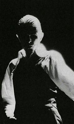 David Bowie 1976 thin white duke Station To Station Tour