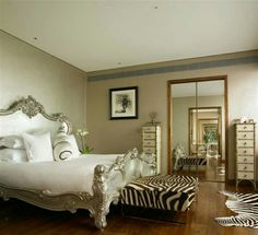 http://decoholic.org/2013/10/01/ideas-use-animal-prints-bedroom/