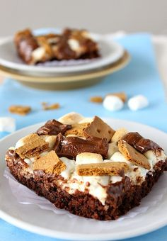 S'MORES BROWNIES - I think I have an obsession with s'mores!!!!!!