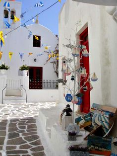 It's just perfect to be walking in the streets of Mykonos early in the morning! The town is a short drive from Luxury Villa Aesara. Paros, Greek Flag, Stone Street, Greece Islands, Greece Travel, Greece Trip, Santorini Greece, Luxury Villa, Vacation Spots