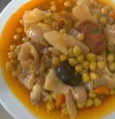 A receita de Mão de Vaca com Grão faz parte dos pratos tipicos da gastronomia portuguesa. Esta receita é muito confeccionada na zona do Ribatejo, muito provavelmente por ser aqui …