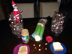 Elfs relieves Mommy from sandwich duty!!!   sweet and simple...and a dash of crazy: I Spy With My Little Eyes Something Red...