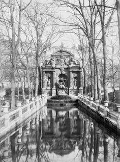 1890  Paris Garden of de medicis