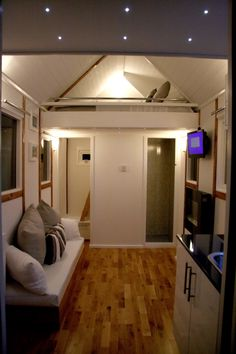 Luxury garden cabin to have in a UK garden. Tiny House on Wheels near London.