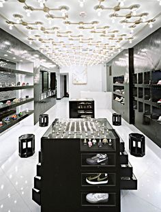 Store interiors, shoe store design, retail store design, retail shop, com. Shoe Store Design, Retail Store Design, Retail Shop, Architecture Art Nouveau, Architecture Design, Amazing Architecture, Design Café, Design Food, Design Ideas