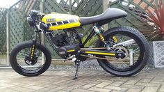 Yammy custom this is my recently built rxs 100 build Yamaha Rx100, Street Tracker, Cafe Racer Motorcycle, Super Bikes, Custom Bikes, Cars And Motorcycles, Motorbikes, Honda, Vehicles