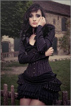 All black steampunk Steampunk Mode, Victorian Steampunk, Steampunk Fashion, Victorian Gothic, Dark Beauty, Goth Beauty, Dark Fashion, Gothic Fashion, Victorian Fashion