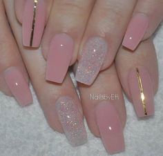 50 Sweet Pink Nail Design Ideas for a Manicure That Suits Exactly What You Need Want a fun summer manicure but think pink nail designs aren't your thing? Miss Nail Addict, listen up. Pink isn't what you remember from your very first manicure. Pink Nail Designs, Simple Nail Art Designs, Easy Nail Art, Nails Design, Clear Nails With Design, Pink Clear Nails, Clear Nail Designs, Glittery Nails, Glitter Top