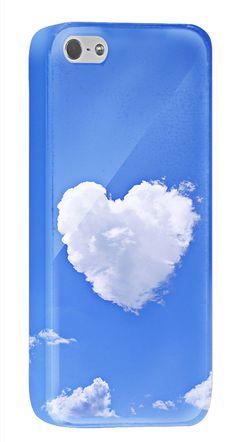 きもちのよい青空に、ハートの形をした雲がぽっかりと浮かんでいます。これを見ていると日頃の悩みも消え去ってしまいそうな、そんなiPhone5/5s用ケースです。あなたの言葉を書き入れて、気持ちをリフレッシュさせてみませんか?  http://originalprint.jp/ls/215280/8f2d234cb19ceb1c1e3149d7e4d2ed4006022397
