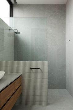 Home Interior Cocina Minimal bathroom design.Home Interior Cocina Minimal bathroom design Bad Inspiration, Bathroom Inspiration, Bathroom Inspo, Minimal Bathroom, Small Bathroom, Bathroom Renos, Interior Minimalista, Bathroom Interior Design, Interior Paint
