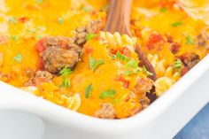 This Cheeseburger Casserole is loaded with the flavors of a classic cheeseburger, but in comfort food form. Tender pasta, seasoned ground beef, and a sprinkling of spices and cheese make this dish a family favorite for dinner! Casserole Dishes, Casserole Recipes, Pasta Recipes, Beef Recipes, Cooking Recipes, Milk Recipes, Chicken Casserole, Ziti Al Horno, Baked Chicken Spaghetti