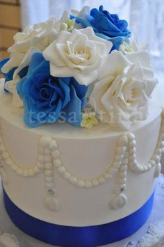 Royal blue roses  Cake by tessatinacakes