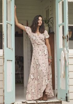 Auguste - Valentines Muse Maxi Dress Vintage Blooms Musk - Boho Dress Source by Trendy Dresses, Plus Size Dresses, Nice Dresses, Fashion Dresses, Summer Dresses, Fashion Mode, Boho Fashion, Vintage Fashion, Vintage Style