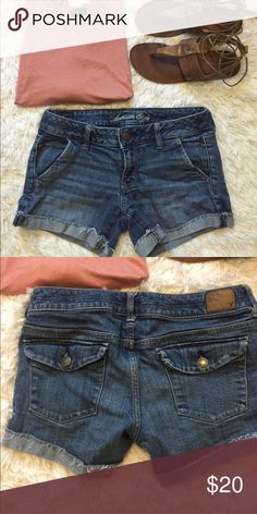 🎉New Listing🎉 American Eagle Cuffed Shorts The shorts are the item for purchase in this listing. The top is listed separately. The shorts are in excellent condition! American Eagle Outfitters Shorts Jean Shorts