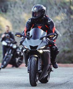 Motorcycle Suit, Futuristic Motorcycle, Moto Bike, Motorcycle Jackets, Aerox 155 Yamaha, Yamaha Motorcycles, Yamaha Sport, Yamaha Yzf R6, Biker Girl