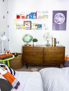 Name: Jack (3) Location: Dallas, TX Room Size: 11' x 12' How do you blend a modern aesthetic with the wild spirit of a romping, play-in-the-dirt three-year-old boy? Just ask Ginny Chase of Chasing Sunshine. She artfully created a clean, modern black and white bedroom for her son Jack without losing any of the playfulness or fun that comes along with being three - no small feat as a renter. It just goes to show that you don't need to own to make your house feel like a home.