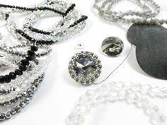 Per le amanti del Black and White, New orecchini Esperia in arrivo!!! Cosa metto adesso??? Cipollotti o bicono? Black, grey, silver o crystal??? Work in progresssss...... !!!! #raffaelladeangeli #prodottounico #fattoamano #artigianatoartistico #artigianiitaliani #gioielli #bijoux #orecchini #gioiellifattiamano #jewelry #madeinitaly #accessory #woman #handmadejewelry #earrings #handmade #workinprogress Washer Necklace, Handmade Jewelry, Earrings, Fashion, Artists, Ear Rings, Moda, Stud Earrings, Fashion Styles