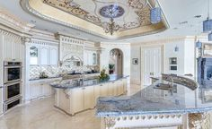 Luxury Palm Royale property for sale (17) a kitchen we can only dream about.