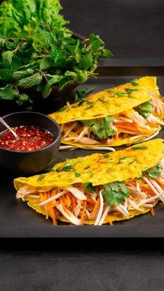 Pancakes For Dinner, Pancakes And Waffles, Vietnamese Street Food, Vietnamese Pancakes, Kitchen Recipes, Cooking Recipes, Korean Kitchen, Banh Xeo, Kitchens