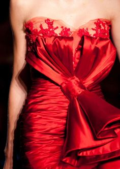 Zuhair Murad couture red dress details  Source: sci-fi-haute-couture by catrulz