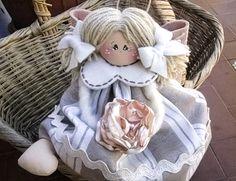 Il mio angelo Federica.Una dolcezza di bambolina con ali di feltro.