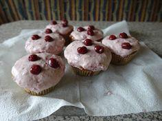 Kirschmuffins Yummy Cupcakes, Breakfast, Desserts, Food, Just Bake, Dessert Ideas, Morning Coffee, Tailgate Desserts, Delicious Cupcakes