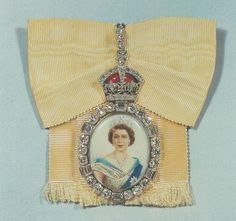 Royal Family Order of Queen Elizabeth II - Badge (size one) belonged to Queen Mary, then passed to Princess Margaret (obverse)