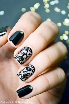 Different Nail Polish Designs and Ideas (13)