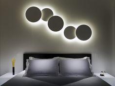 Lampada da parete in vetro soffiato PUCK WALL ART by Vibia design Proli Diffusion Studio