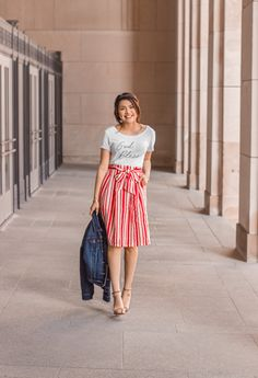 Gettings Into The Spring Chic Style. Red and White Striped skirt. Curvy Fashion, Modest Fashion, Fashion Looks, Fashion Outfits, Womens Fashion, Ladies Fashion, High Fashion, Fashion Trends, Modest Outfits