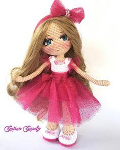 Crochet Doll Dress, Crochet Doll Pattern, Crochet Art, Crochet Motif, Crochet Crafts, Crochet Projects, Amigurumi Patterns, Amigurumi Doll, Doll Patterns