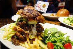 そしてgood GRIND BURGER相変わらずプルドポークプルドチキンハラミがトータル200g入っているとは思えないサクサク感 今月もやっぱり美味しい #food #foodporn #meallog #burger #burger_jp #ハンバーガー # #tw