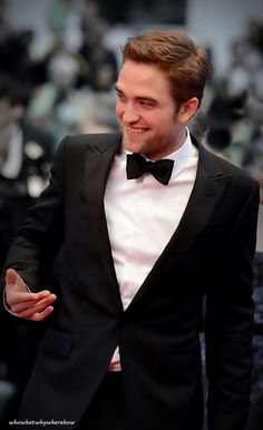 Rob Pattinson sure can clean up nice!