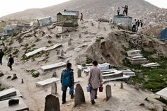 A Carnival of Life Flourishes in Kabul's Field of the Dead - NYTimes.com