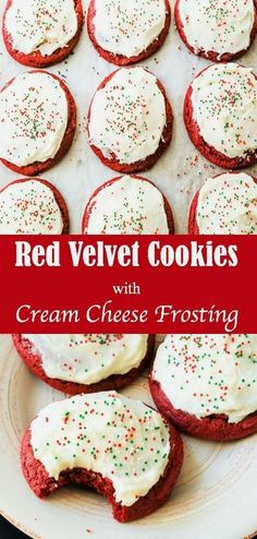 These Red Velvet Cookies with Cream Cheese Frosting are the perfect unique addition to any holiday cookie platter! Chocolate Chip Cookies, Chocolate Cookie Recipes, Easy Cookie Recipes, Cookie Ideas, Cookies And Cream Frosting, Cream Cheese Cookies, Cookies Et Biscuits, Cake Choco Banane, Köstliche Desserts