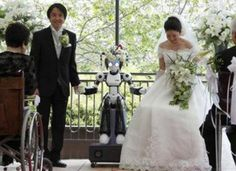 Robot Wedding What's even geekier than including an iPad in your wedding ceremony? How about a robot? This Japanese couple's wedding was officiated by the I-Fairy robot. The couple bonded over a shared interest of robotics so they felt it was fitting Wedding Fail, Geek Wedding, Dream Wedding, Crazy Wedding, Bohemian Wedding Dresses, Wedding Gowns, Wedding Ceremony, Japanese Couple, Inexpensive Wedding Venues