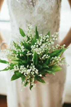 Our Sunday flower inspiration is this gorgeous Lily of the Valley bouquet. We're always a fan of a classic given a modern makeover.