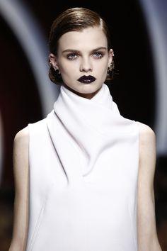 Christian Dior Fall 2016 Ready-to-Wear Fashion Show Details