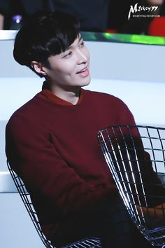 EXO || MAMA AWARDS 2015 HK || Lay, Zhang Yixing //More like dimples of the year award.
