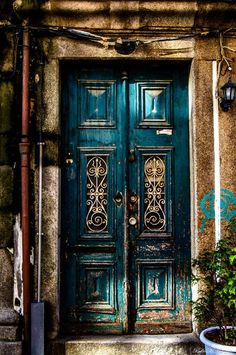 front door paint colors - Want a quick makeover? Paint your front door a different color. Here's some inspiration for you. door ✔ 50 Best And Popular Front Door Paint Colors for 2019 [Images] Cool Doors, Unique Doors, The Doors, Entrance Doors, Windows And Doors, Doorway, Grand Entrance, Front Door Paint Colors, Painted Front Doors