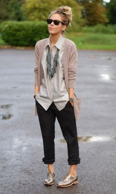 Perfect comfy casual outfit. Big shirt, boyfriend fit trousers, cardigan, lush gold brogues