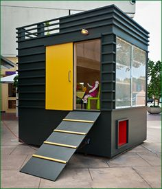So cool - Playhouse with roof deck. Great as a home office/studio.