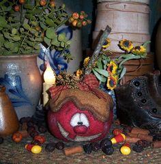 Primitive Patti�fs Ratties Halloween Laughy Apple Ornie Seasonal Pattern PM619 11.95