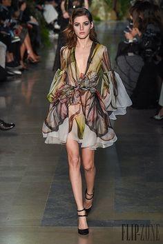 Elie Saab Primavera-Verão 2015 - Alta-Costura