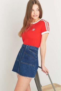 "adidas Originals – T-Shirt ""Sandra 1977"" in Rot"