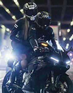 Motorcycle Tips for the Beginner Riding Enthusiast Motorcycle Couple Pictures, Biker Couple, Biker Chick, Biker Girl, Motard Sexy, Motos Yamaha, Biker Love, Bike Pic, Bike Photoshoot
