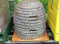 Bijenwaskaarsen.nl: Bijen in een Korf, natuurlijke bijenwas.