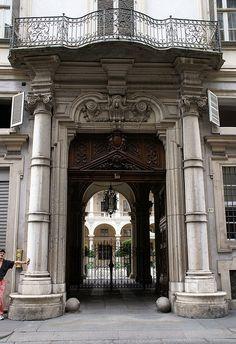Torino: Torino, Via della Consolata/Piazza Savoia, Palazzo Paesana di Saluzzo >> Sfoglia le Offerte!