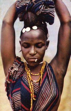Africa | Fulani (Peulh) woman. Chad. ca. 1965. | Scanned postcard; publisher Hoa-Qui. No.3238