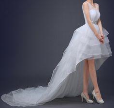 Ellie Mei Women's Red Carpet Dress . Wedding White Dress  ITEM NO EMW100016  #elliemei #whitewedding #weddingdress #bride  #highlowhem #fashionweddingdress #specialwedding #stylish